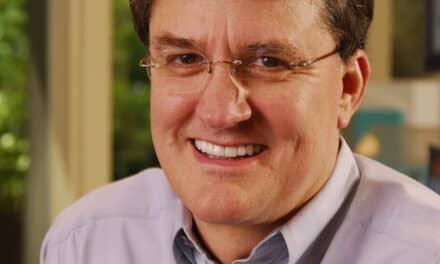 Carestream Dental Recognizes Lifetime Achievement of Dr David Sarver