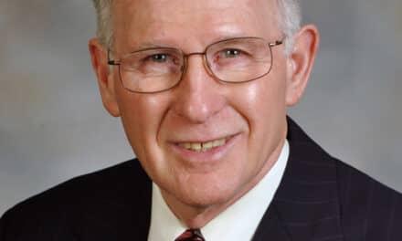 Dr W. Eugene Roberts Receives Albert H. Ketcham Memorial Award