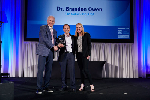 Dr Brandon Owen Receives First AAO Innovator Award for KLOwen Bracket System