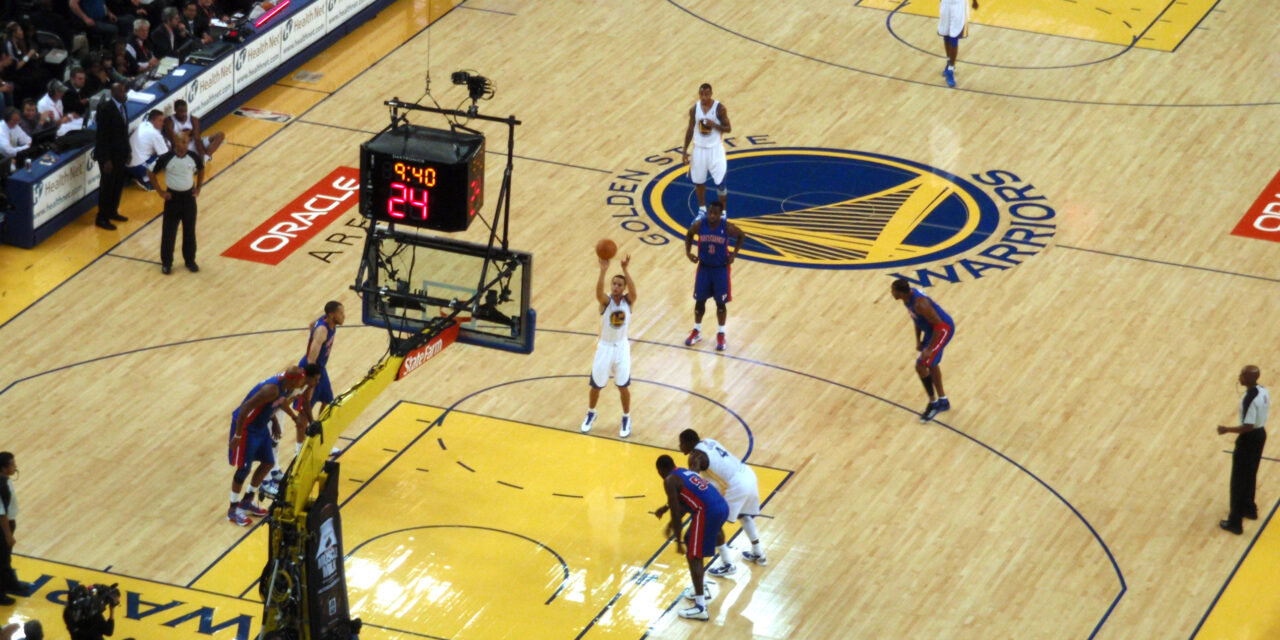 Invisalign Becomes Official Smile Partner of Golden State Warriors